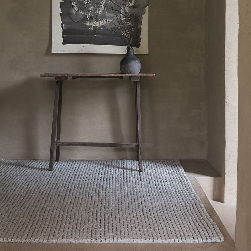 tapis moderne ligne pure laine gris dream 140 x 200. Black Bedroom Furniture Sets. Home Design Ideas