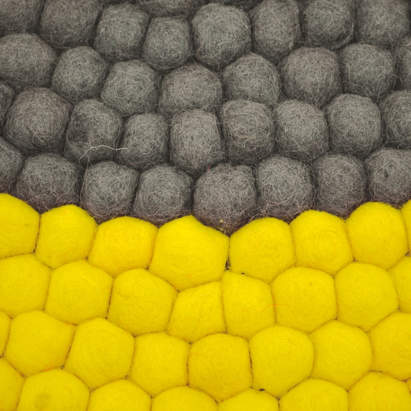 tapis enfant boules de laine neomix jaune lilipinso 90x90. Black Bedroom Furniture Sets. Home Design Ideas