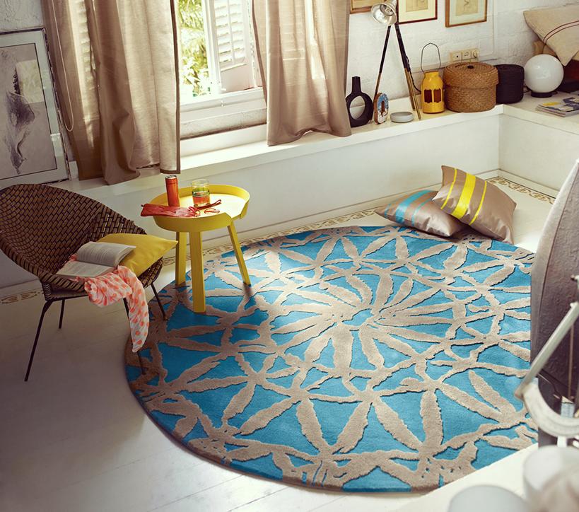 comment bien placer un tapis rond dans une pi ce. Black Bedroom Furniture Sets. Home Design Ideas